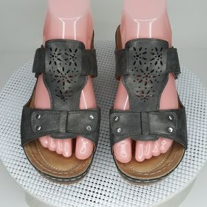 CG Shoes Neola 8.5W Gray Sandals